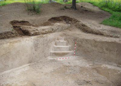 Escalera de acceso a la natatio del eficio termal 2007 el guijo