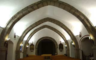 interior-ermita-san-bartolome