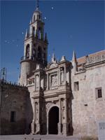 torre-y-puerta-catedral